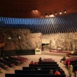 テンペリアウキオ教会は岩の中に・・・