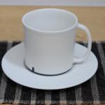 千田稚子さん(ゆうらぼ)のカップ&ソーサー。