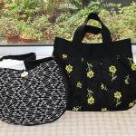 「音の絵」の刺繍を使った山本由美子さんのバッグ。